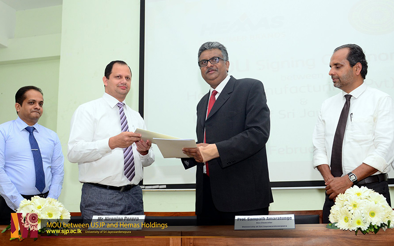 Dept-of-Marketing-Management-USJP-sings-MOU-with-Hemas-Holdings-1