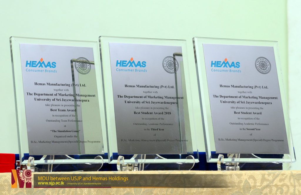 Dept-of-Marketing-Management-USJP-sings-MOU-with-Hemas-Holdings-13-1024x664