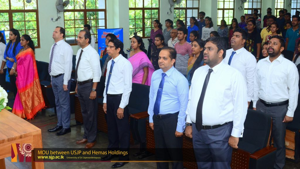 Dept-of-Marketing-Management-USJP-sings-MOU-with-Hemas-Holdings-3-1024x578